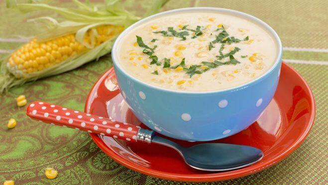 Sopa de maíz cremosa rica en umami